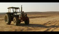Tractor in de woestijn
