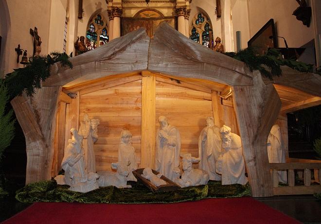 Kerststal uit Esbeek in Petruskerk Hilvarenbeek