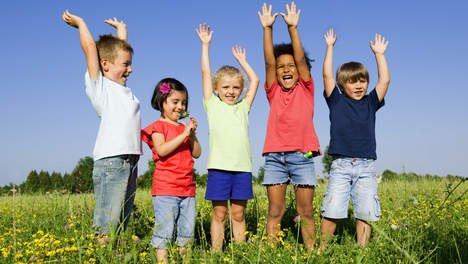 Juichende kinderen