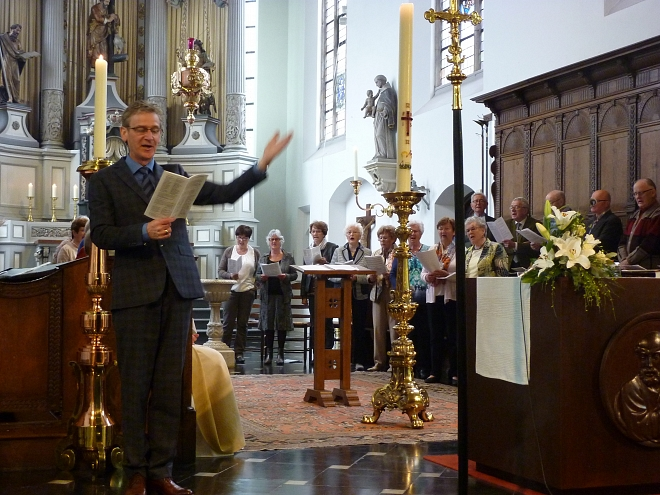 Beekse Cantorij o.l.v. Jac Peeters met organist Ad van Sleuwen